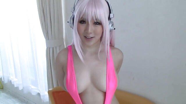 Check My MILF tetona alemana Cougar babe chupando y follando porno hablado al español