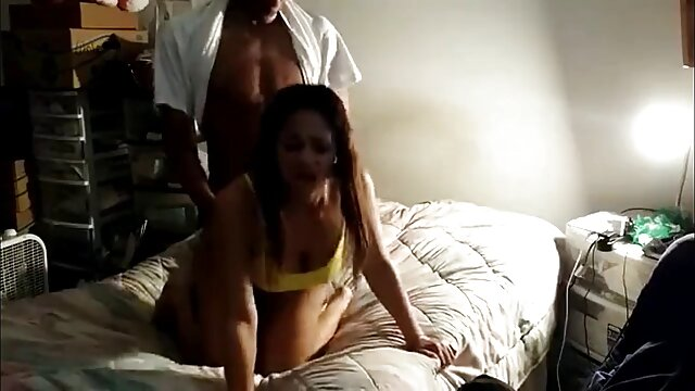 Mamá Jordan Kingsley prueba al novio incesto hablado en español negro de Tina Dove