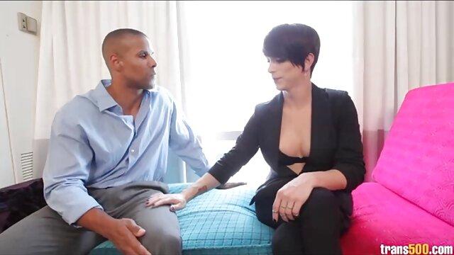 Black hottie Envy Kenya toma una polla videos porno en audio español en su dulce coño