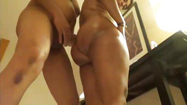 Karups - La porno gratis español latino MILF Tiffany Doll se folla duro al fontanero