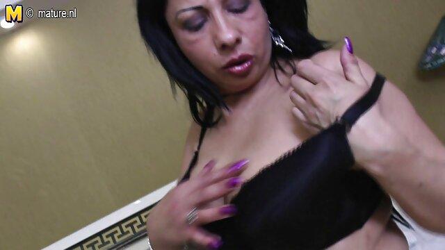 Fabuloso masaje de mano de porno gentai en español asia