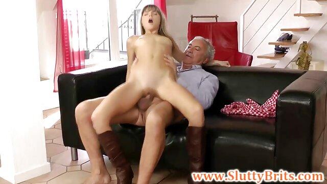 Nena follada en el coño se masturba con hentai en audio español el semen del agente en el casting