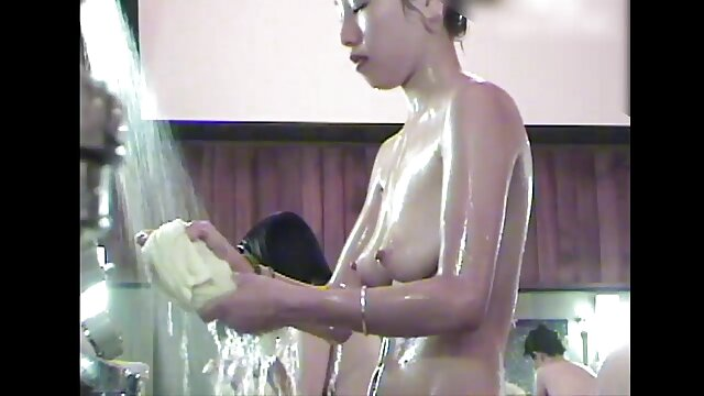 La milf videosxxx espanol americana Natasha se masturba el coño resbaladizo