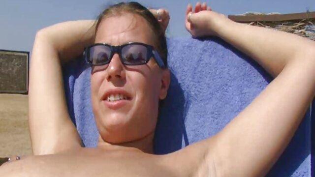 FirstClassPOV sex free en español - Mira a Christie Stevens chupando una gran polla