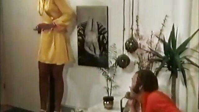 Adolescente nubil Averi Brooks le porno subtitulado a español gusta la atención de los padres