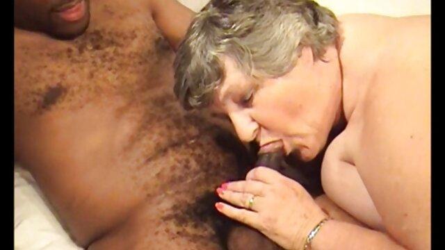 Blanco pornoen español sofá lesbianas divertido