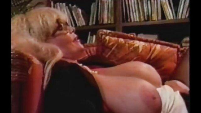 Semental bisexual se videos porno free en español folla el culo en un trío MMF