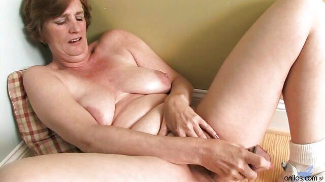 Un arreglo de madre e hija hentai sex español muy sucio