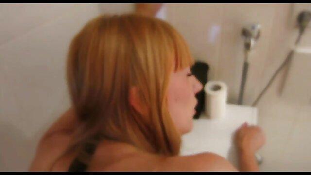 adolescente bombeado COÑO tomando gran polla con bolas en porno hentai en castellano la boca