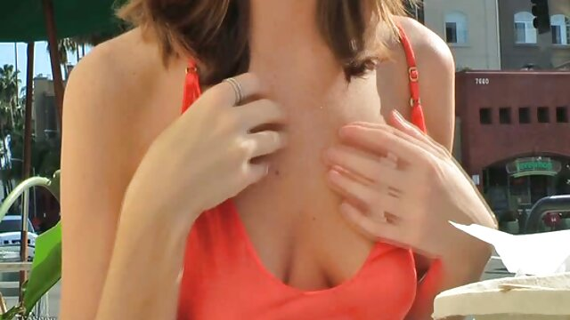 Chica rusa de 18 sexo con audio en español años masturbándose en la webcam