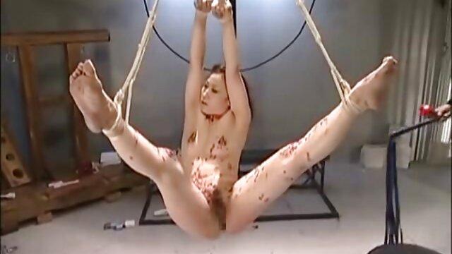 Ashli Orion, peliculas porno en español castellano una morena de tetas pequeñas se inclina para su novio