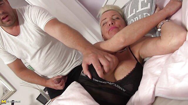 Nena estrella xxx lesbico en español porno flexible es hecha a cuatro patas