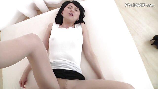 Petite salope asiatique baise avec animes porno sub español hijo amant partie 1
