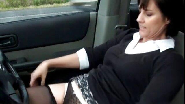 Mamada mientras se masturba 2 hentai castellano