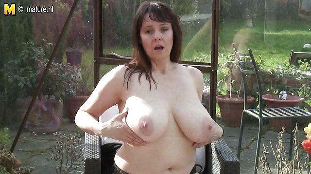 Hot bubblebutt pawg ver porno gratis en español desnudándose en el baño